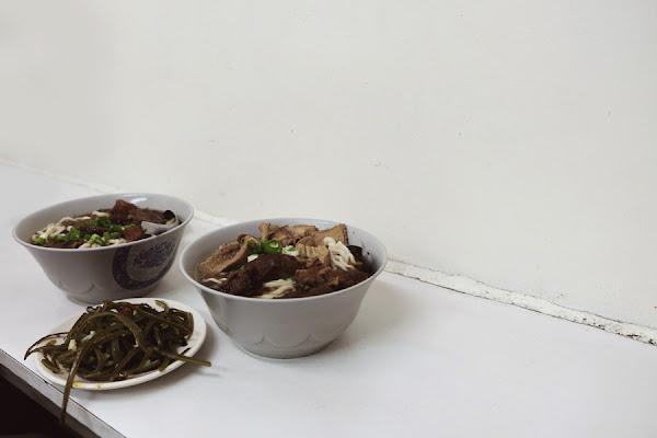 建宏牛肉麵| 24小時,加麵加湯不加價的平民美食
