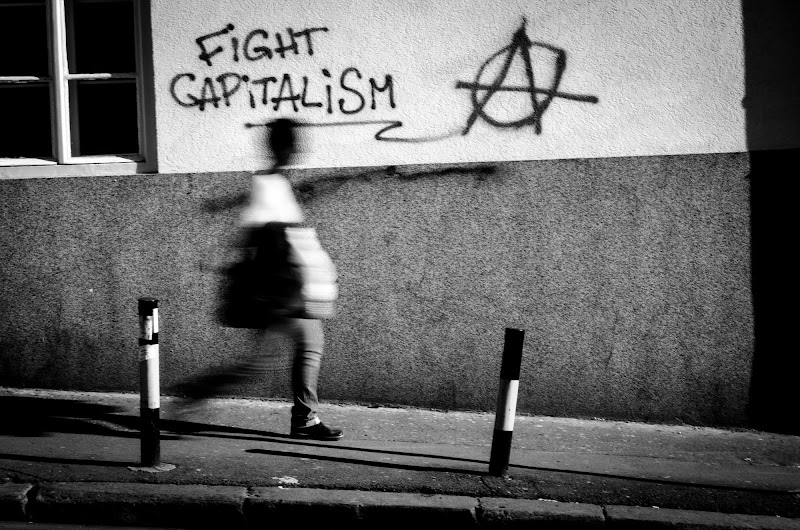 fight capitalism di marce