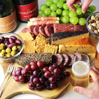 How to Make the Ultimate Charcuterie Board Recipe