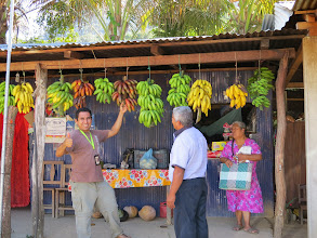 Photo: Cornelio bought 4 varieties of bananas here, far greater selection than our markets, but he could not get a guanabana or a mango. Too early in the season at this altitude - 4500 to 9000 ft.