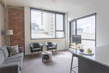 Flinders Street Station Serviced Apartments
