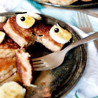 Fluffy Gluten-free Banana Pancakes (Vegan, Sugar-free).