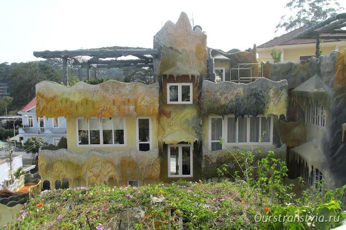 Крейзи Хаус в Далате