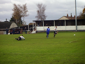 Photo: 11/11/06 v Dunstable Town (Southern League Division 1 Midland) 0-0 - contributed by Mike Latham