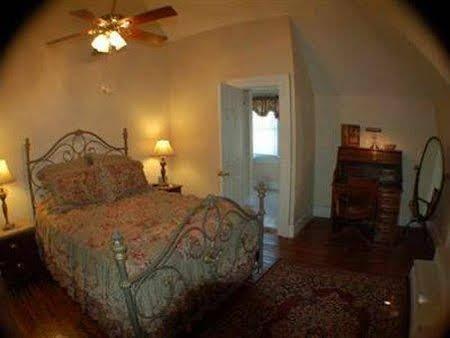 Avenue Inn Bed and Breakfast