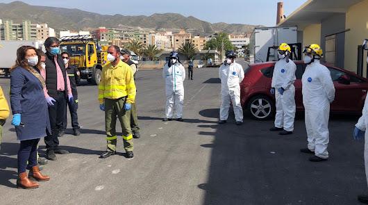 La consejera Carmen Crespo supervisa los trabajos de desinfección del Infoca