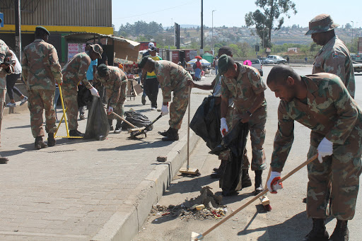 Army sweeps in to clean Mthatha's filthy streets