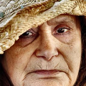 LIFE by JORGE JACINTO - People Portraits of Women
