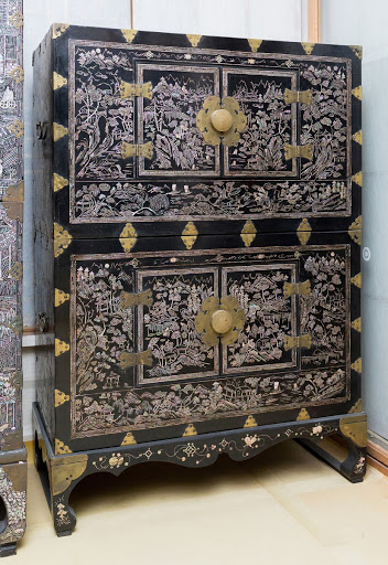 Mother-of-pearl Two-tiered Chest