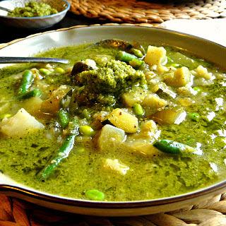 Leek & Cauliflower Soup With Broccoli Pesto (vegan + Grain, Gluten & Sugar-free).