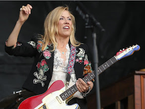 Photo: Calgary, AB. July 10.  2015 -- Fans pack Fort Calgary for American singer, songwriter, and guitarist Sheryl Crow at the 2015 Oxford Stomp held at Fort Calgary Friday night ({David Moll} /Calgary Herald) For {N} story by {}