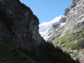 Photo: ... before emerging alongside a dramatic gorge.