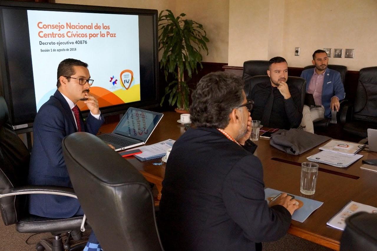 CONSEJO NACIONAL DE CENTROS CÍVICOS POR LA PAZ INCORPORA NUEVAS HERRAMIENTAS  PARA LA PREVENCIÓN DE LA VIOLENCIA