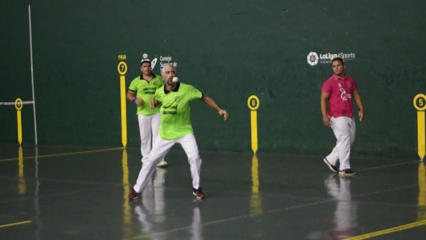 El deporte de la pelota siguen muy activo en Almería.