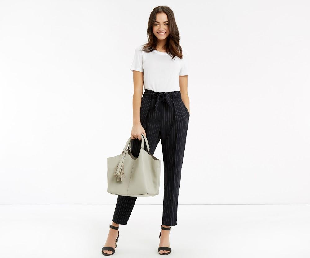 trending-formal-wear-women-peg-trousers_image