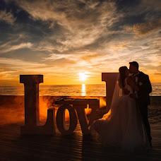 Wedding photographer Valeriy Balabolin (aBoltUS). Photo of 26.12.2017