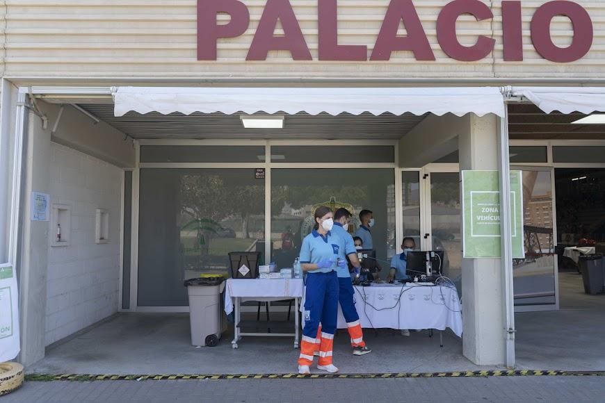 El Palacio de los Juegos Mediterráneos está siendo clave en este proceso de vacunación.