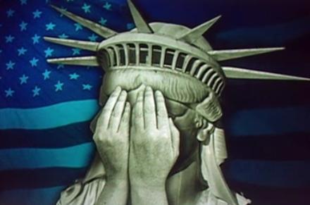 Freiheitsstatue weint.