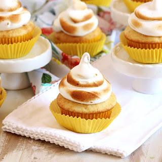 Easy Lemon Meringue Cupcakes