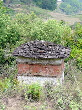 Photo: Und überall sind religöse Bauwerke zu finden.