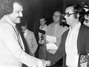 Photo: El Príncipe Fahd, de Arabia Saudí, llega al hotel Tamarindos de San Agustín, donde saluda y charla con Amado Moreno.