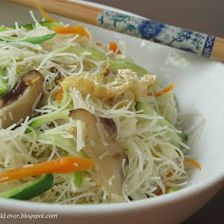 Vegetarian white Mee Hoon (Rice Vermicelli).