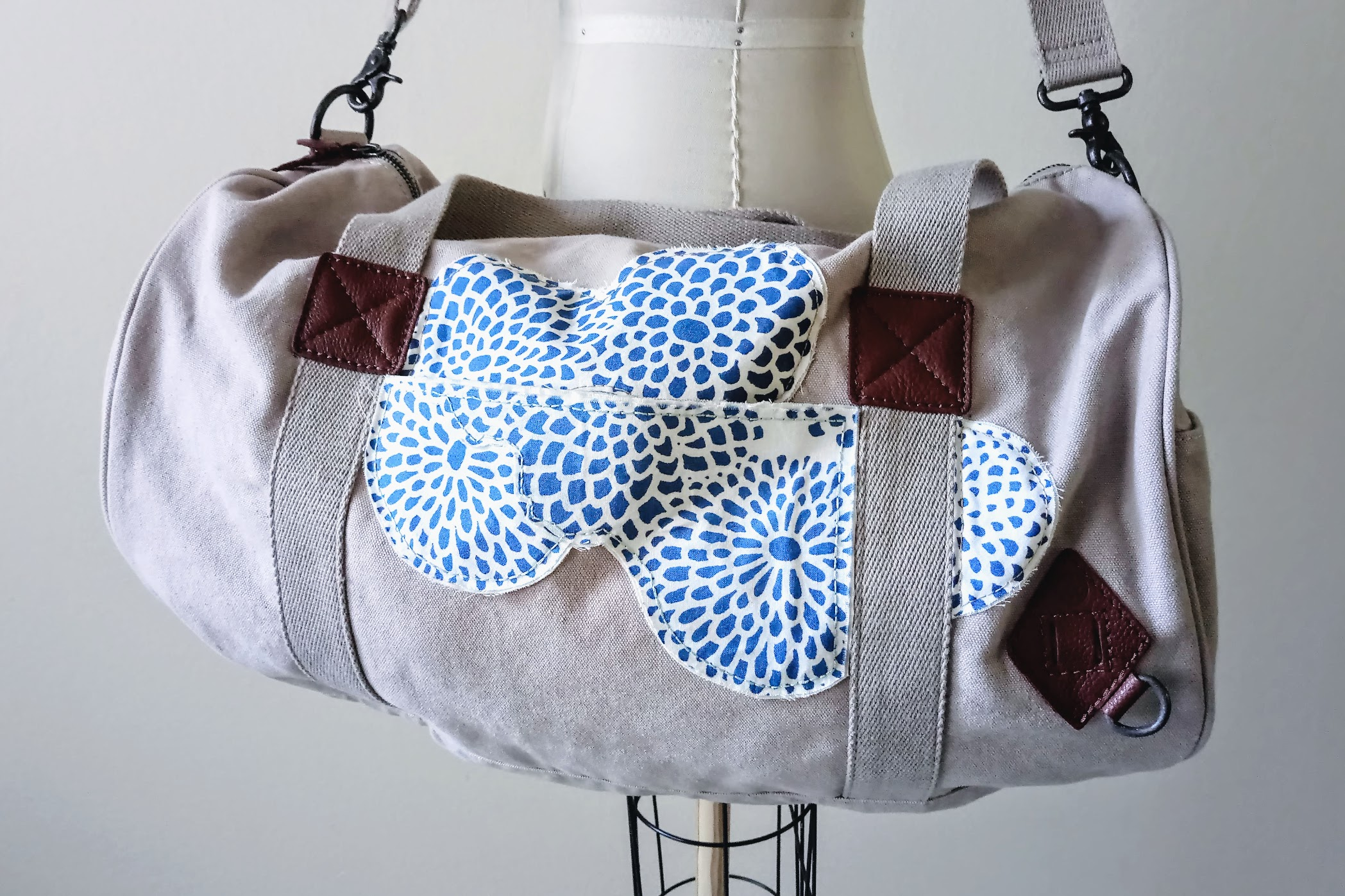 Result: Duffel Bag Personalization with Fabric Appliqués - DIY Fashion Accessories