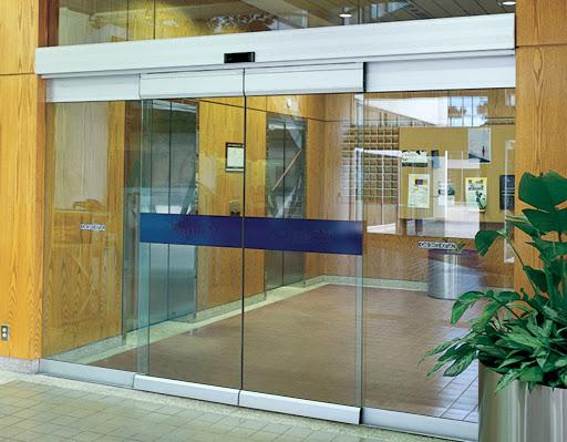 Cổng trượt mang tính chuyên nghiệp hiện đại cho văn phòng