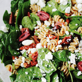 Whole Wheat Pasta Salad with Spinach and Easy Sun-dried Tomato Vinaigrette.