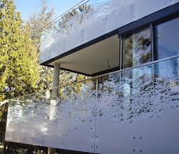 Photo: Glasbalkone mit Dekordesign
