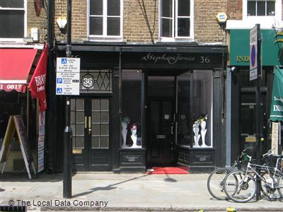 54ba3ea11bdac Stephen Jones Millinery on Great Queen Street - Hat Shops in Holborn ...