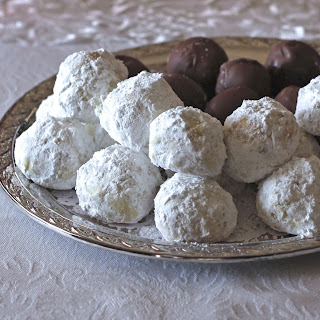 Wedding Cookies and A Christmas Recap
