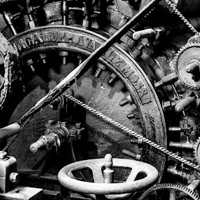 Spinning Mill, Detail by Sergio Savi - Artistic Objects Industrial Objects ( roller, mill, spinning, chains, mechanical )
