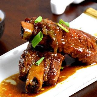 Braised Chinese pork ribs (Wuxi style) 無錫排骨.