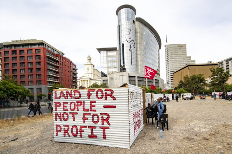 Shacks built in Cape Town CBD to protest sale of vacant land.