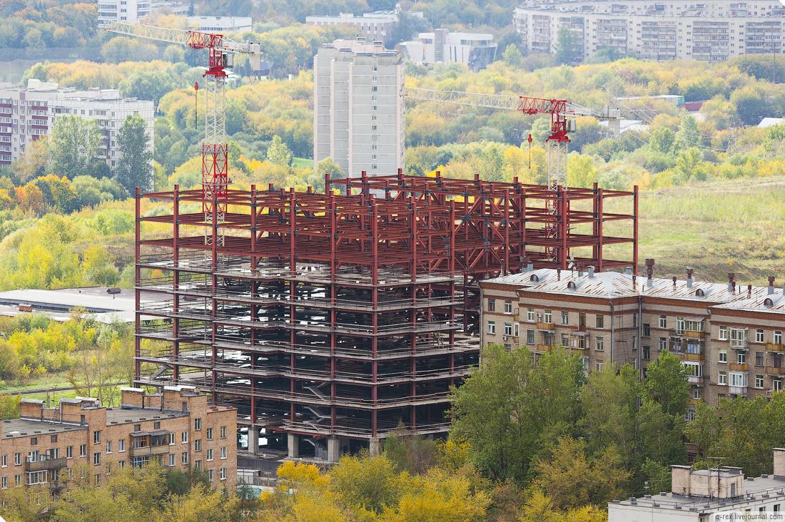 Демонтаж недостроенного бизнес-центра «1812» на Поклонной горе планируют завершить до конца февраля