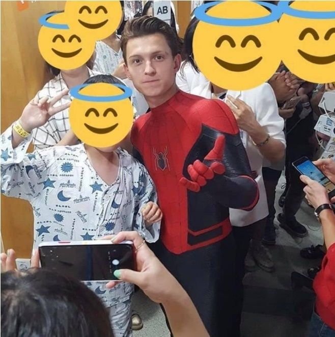 tom holland korea kids hospital 5