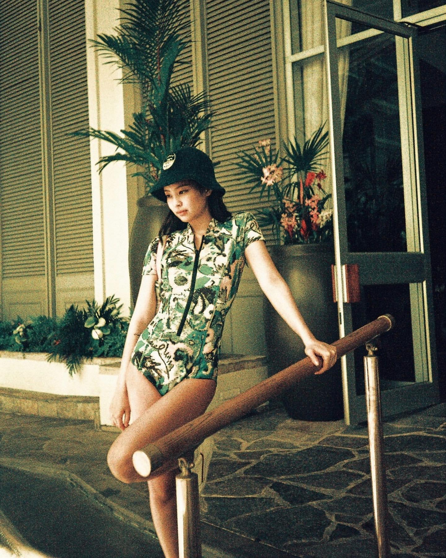 BLACKPINK Jennie's Swimsuit Look Was So Stunning Even Elle Korea Couldn't Help Falling In Love