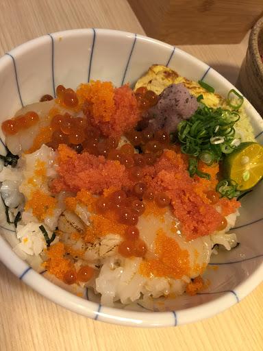 服務好棒棒 呦 ^_^ 丼飯與其他食物 新鮮到爆炸 ٩(˃̶͈̀௰˂̶͈́)و  快點帶心愛的人去嚐鮮呦 ^_^