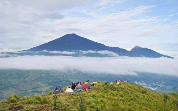 Seeing Rinjani Mountain From Pergasingan Hill