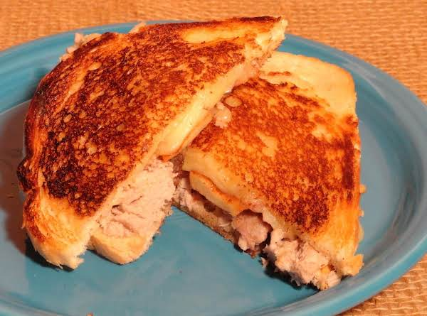 Pulled Pork And Apple Grilled Cheese Sandwiches