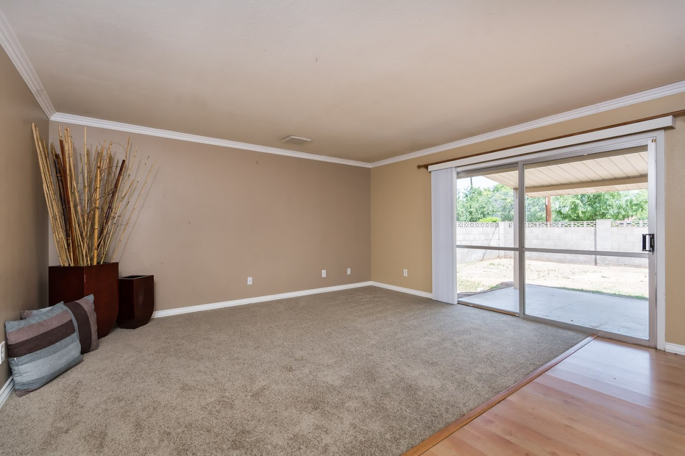 living room for homes for sale in Tempe AZ