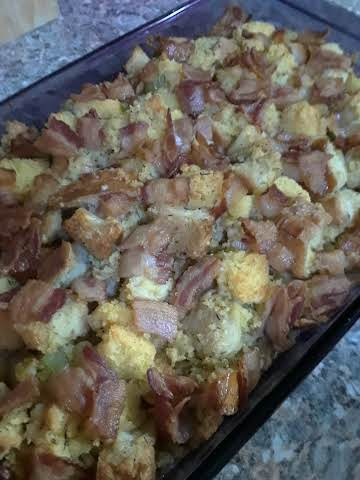 Corn Bread Stuffing w/Bacon