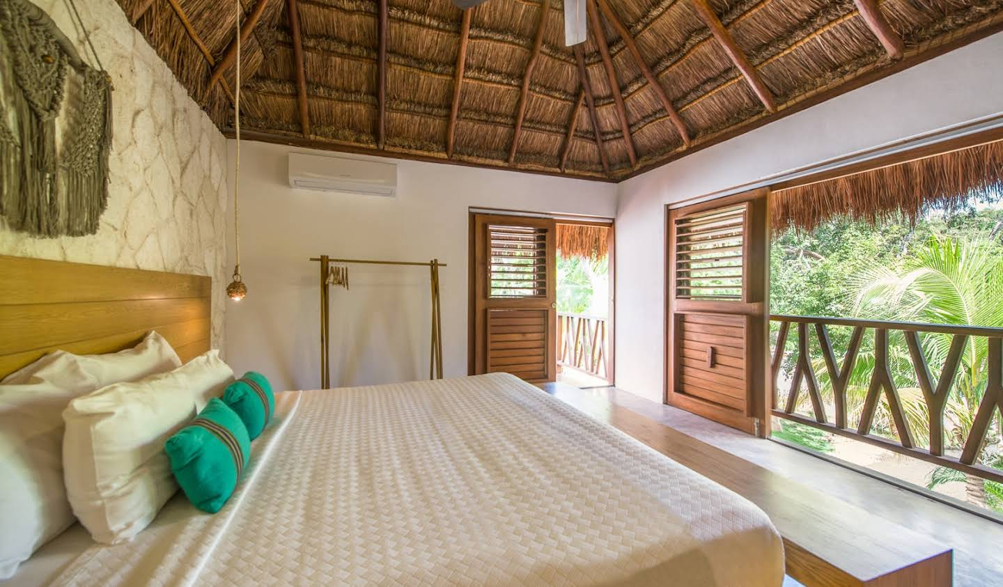 Property with pool and garden Tulum