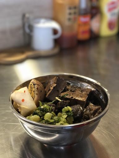 店家溫馨 料理有家的感覺 老闆很厲害 吃飯又能長知識
