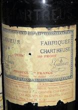"""Photo: Une bien étrange mention ! """"Artificial Color Added"""" sur cette bouteille destinée au marché américain : qu'est-ce que cela peut donc signifier ?!"""