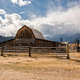 Morman Barn by Richard Michael Lingo - Buildings & Architecture Public & Historical ( barn, buildings, historical, park, architecture )