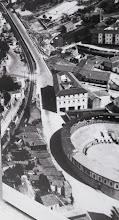 Photo: A liña do Ferrocarril pasando preto da Praza de Touros e logo polo que hoxe é Paseo de Colón e logo Raiña Vitoria