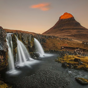 The day's last rays by Bragi Ingibergsson - Landscapes Mountains & Hills ( iceland, mountain, brin, sunset, bragi j. ingibergsson, waterfall, landscape )
