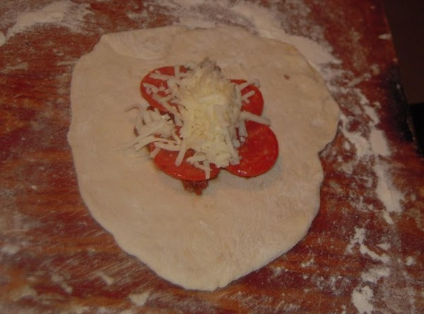 Place your favorite fillings at the center of the dough, do not over stuff....